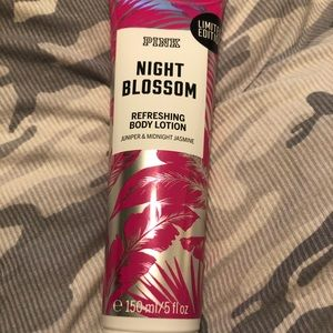 PINK Victoria's Secret Makeup - Victoria's Secret pink lotion (night blossom)